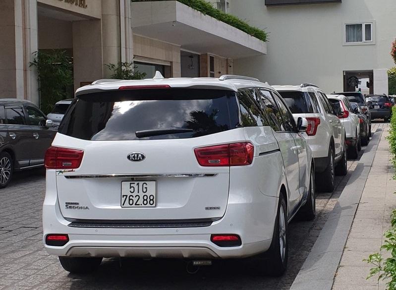 Cho thuê xe Sedona tại Bình Dương