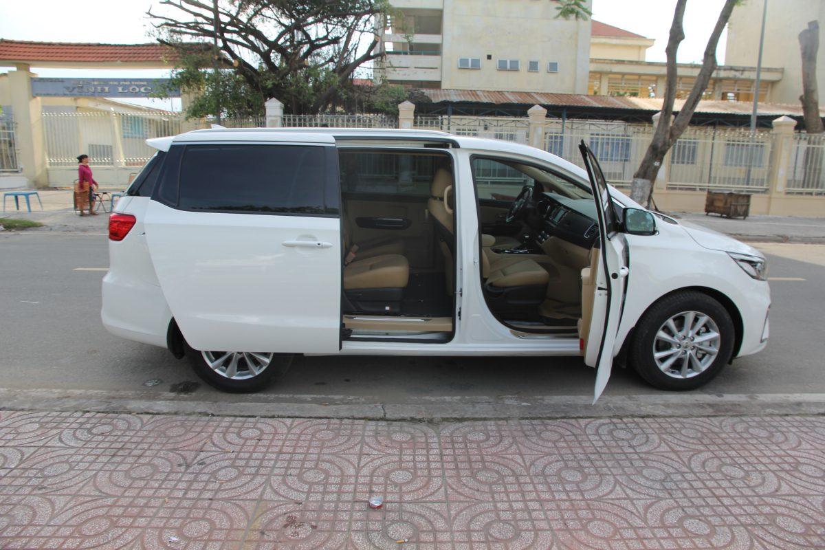 Cho thuê xe Sedona dài hạn tại Tp HCM